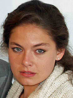Alexa_Davalos_by_David_Shankbone_cropped
